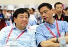 创新中国2012走进大连花絮:说点悄悄话(左为徐小平,右为陈大同))