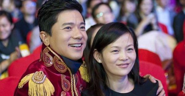 李彦宏之妻回归百度发表重要演讲;QQ 2.5 亿现金红包开抢首日火爆 | 早报