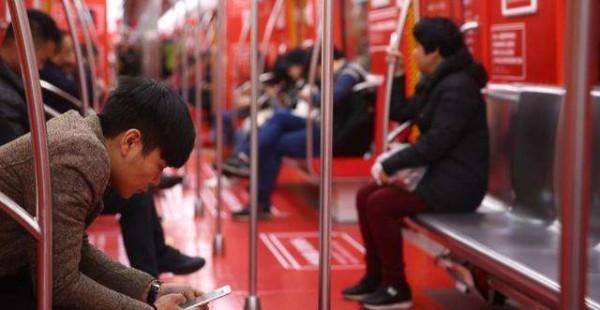 5000条乐评红遍地铁,2亿网易云音乐用户被戳心到cry,音乐与回忆怎可辜负